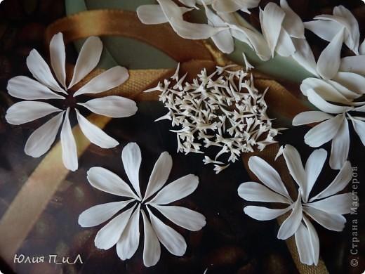 Вариации, потому что делала цветы по памяти, а когда обратилась к первоисточнику обнаружила кучу несоответствий))) Но т.к.я не стремлюсь пока к полной передаче природности, думаю и такой вариант имеет место быть. фото 3