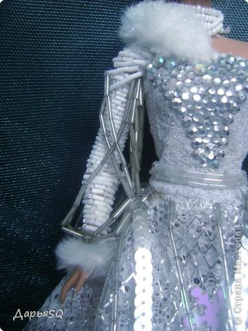 Обычная барби в спортивном костюме...мне хотелось сделать что то, что напоминало о детстве..о сказках..о зиме.Получилась величественная кукла со своей историей фото 5