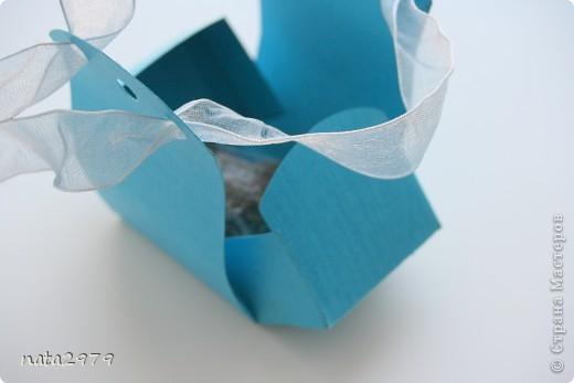 Вот такая коробочка для маленького подарочка у меня получилась)) фото 3