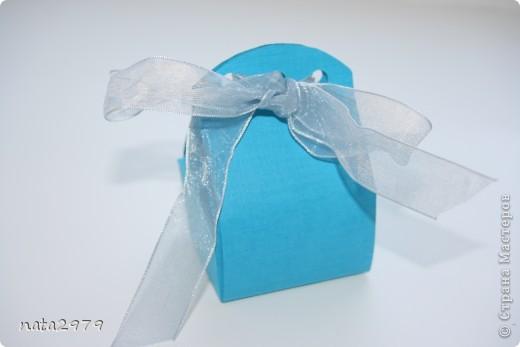 Вот такая коробочка для маленького подарочка у меня получилась)) фото 4