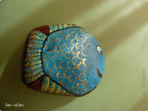 На даче еще нашла камешки побольше, правда не совсем идеально подходящей формы, но хоть такие...  фото 2