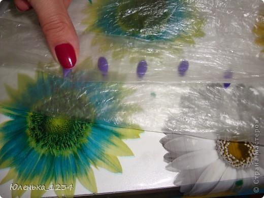 Необходимые материалы....клей акриловый, можно и ПВА (акриловый сохнет быстрей) краска - гуашь...пенопласт..баночка...зубочистки..проволка для листьев..каттер - капелька..маникюрные ножницы фото 9