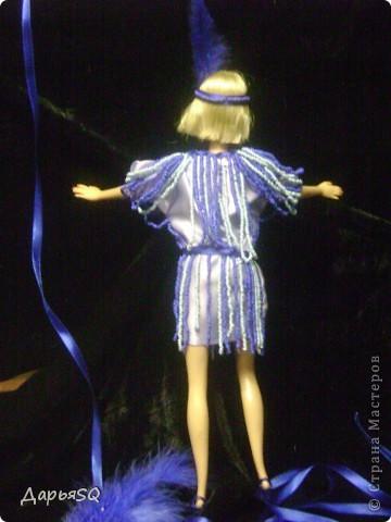 Кукла замерла..как будто в движение...костюм с стиле 20х добавляет праздника в образ куклы фото 2
