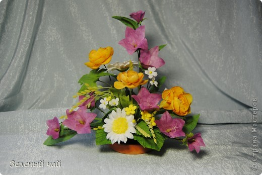 Мини-композиция из цветов. Делалась в подарок учителю. Ветреницы, нарциссы, печеночницы. фото 5