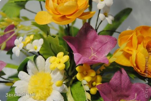 Мини-композиция из цветов. Делалась в подарок учителю. Ветреницы, нарциссы, печеночницы. фото 6