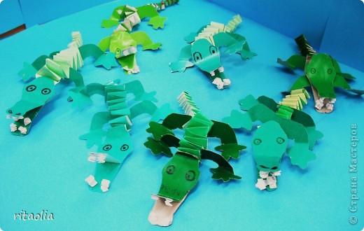 Поэтапное изготовление этих крокодильчиков дано в книге Лыковой И.А. «Мастерилка», Смоленск ООО «Карапуз-дидактика», 2006 фото 5