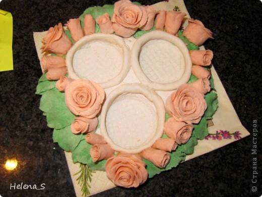 Подсвечник с розами в цвете