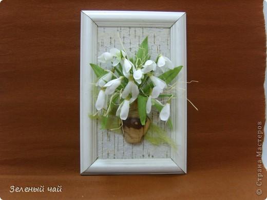 Мини-композиция из цветов. Делалась в подарок учителю. Ветреницы, нарциссы, печеночницы. фото 2