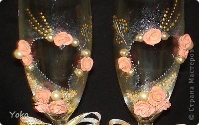 Делала свадебные бокалы на свадьбу сестренке. Первые - строго не судите фото 3