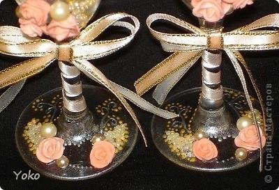 Делала свадебные бокалы на свадьбу сестренке. Первые - строго не судите фото 4