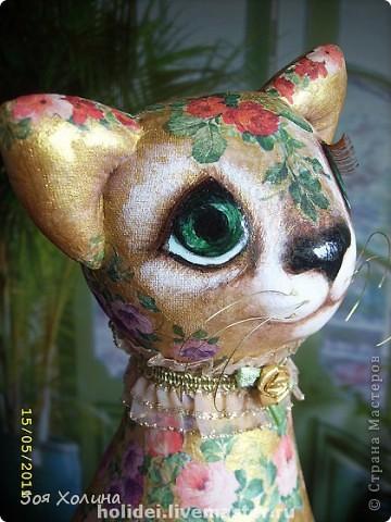 Кошка Золотая Роза была сделана в напарницы к кошке Ириске. Теперь они могут помечтать и погрустить вместе, поговорить о своем о девичьем. фото 4