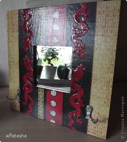 Икеевское зеркало (необычайно удачная заготовка!), салфетка, немного контуров, кракелюр, битум,  объемный лак... фото 2