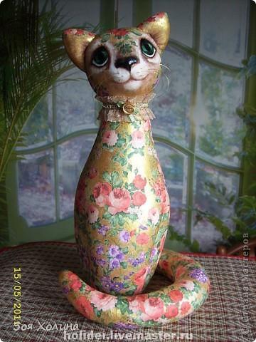 Кошка Золотая Роза была сделана в напарницы к кошке Ириске. Теперь они могут помечтать и погрустить вместе, поговорить о своем о девичьем. фото 1