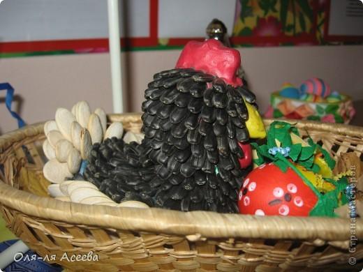 Эту курочку я делала для праздника осени. А потом к ней добавились цыплятки, и она стала пасхальной. фото 2