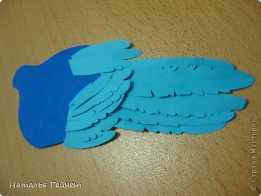 Венценосный голубь в листве иланг-иланг. Размер без рамки 21*30см. Такую птицу вырезала первый раз. фото 15