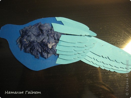 Венценосный голубь в листве иланг-иланг. Размер без рамки 21*30см. Такую птицу вырезала первый раз. фото 16