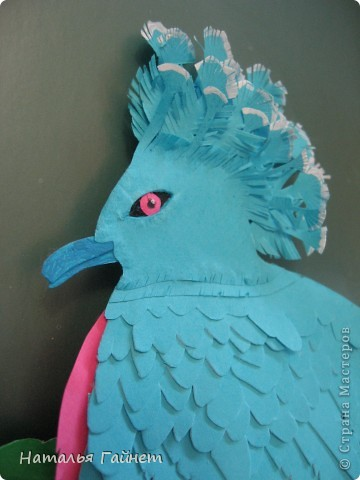 Венценосный голубь в листве иланг-иланг. Размер без рамки 21*30см. Такую птицу вырезала первый раз. фото 9