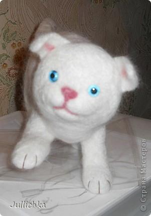 Котенок валяный фото 2
