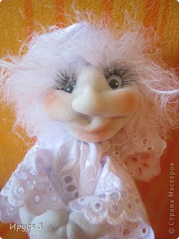 Сшила ангелочка по м.к Ликмы (спящий ангел - сплюшка ), только мой ангелочек спать совсем не хочет , желает ВСЕМ  хорошего настроения !!!!!  фото 3