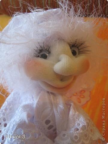 Сшила ангелочка по м.к Ликмы (спящий ангел - сплюшка ), только мой ангелочек спать совсем не хочет , желает ВСЕМ  хорошего настроения !!!!!  фото 6