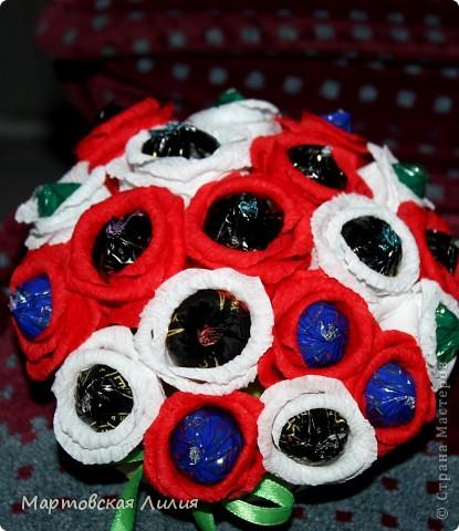 Мои первые букеты из конфет))) Не судите строго... фото 4