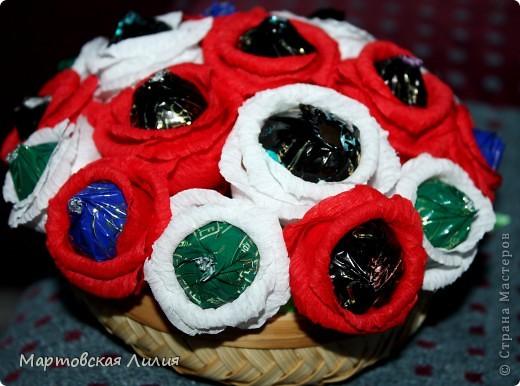 Мои первые букеты из конфет))) Не судите строго... фото 3