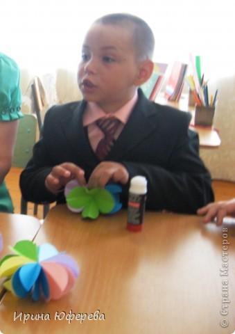 http://stranamasterov.ru/node/175045?c=favorite - вот благодаря этой ссылке и мастерице сегодня 27 мая после уроков мои 2клашки оторвались на этих цветочках.  фото 4