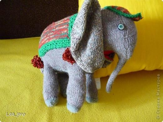 В журнале с вязанием однажды нашла описание симпатичного слона. И однажды я его связала :)) Лет 16 назад фото 3