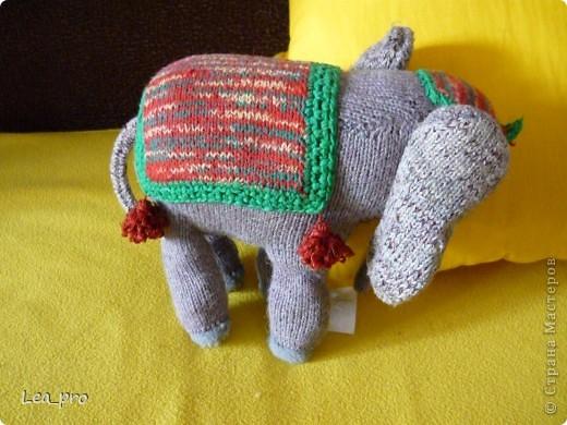 В журнале с вязанием однажды нашла описание симпатичного слона. И однажды я его связала :)) Лет 16 назад фото 2