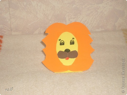 Очень понравилась идея Светланы (Ученик мастера) по созданию игрушек из бумаги. Уже в ночи по-быстрому сделала дочке собачку. Утром подарила, дочка была в восторге! И сразу засыпала меня заказами. Так у нас появились котенок и лошадка! Идей еще много, осталось только найти время :) http://stranamasterov.ru/node/194908#comment-1681602 http://ejka.ru/blog/podelki/895.html  фото 6