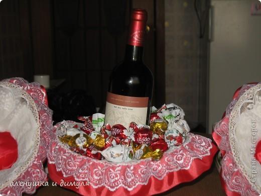 конфеты и вино дарились и принимались , наверное, каждым из нас... захотелось как-то обыграть немного этот презент, не прибегая к банальному покупному подарочному пакету фото 4