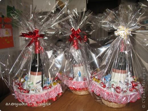 конфеты и вино дарились и принимались , наверное, каждым из нас... захотелось как-то обыграть немного этот презент, не прибегая к банальному покупному подарочному пакету фото 7