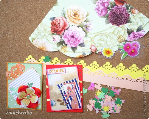 """Как же появляются эти маленькие карточки? Иногда совершенно случайно: прислали чудесные подарочки - красивую бумагу, а дочка купила наклеечки с цветами. И вот.... История аранжировки цветов - писать на карточке это очень длинно, поэтому просто - """"БУКЕТЫ"""" Карточки разделены на группы - совершенно разные  по художественному оформлению! фото 16"""