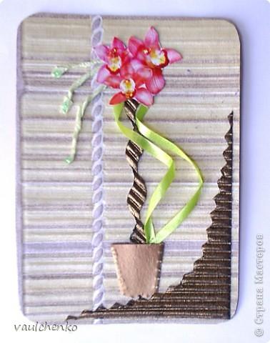 """Как же появляются эти маленькие карточки? Иногда совершенно случайно: прислали чудесные подарочки - красивую бумагу, а дочка купила наклеечки с цветами. И вот.... История аранжировки цветов - писать на карточке это очень длинно, поэтому просто - """"БУКЕТЫ"""" Карточки разделены на группы - совершенно разные  по художественному оформлению! фото 11"""