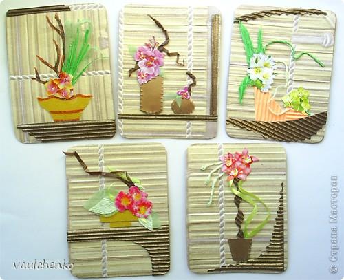 """Как же появляются эти маленькие карточки? Иногда совершенно случайно: прислали чудесные подарочки - красивую бумагу, а дочка купила наклеечки с цветами. И вот.... История аранжировки цветов - писать на карточке это очень длинно, поэтому просто - """"БУКЕТЫ"""" Карточки разделены на группы - совершенно разные  по художественному оформлению! фото 8"""