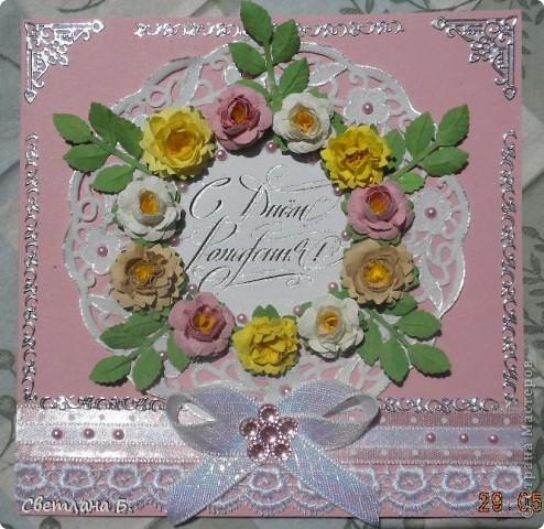 Всем привет! В последнее время у меня не проходит бело-розовое настроение. Уж очень мне нравится такое сочетание цветов. Цветы и листья делала по МК Астории http://asti-n.ya.ru/replies.xml?item_no=550 ,упростив процесс. Вдохновила на создание этой открытки работа Ольги  ya-yalo http://stranamasterov.ru/node/199460?c=favusers  фото 1