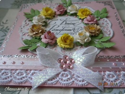 Всем привет! В последнее время у меня не проходит бело-розовое настроение. Уж очень мне нравится такое сочетание цветов. Цветы и листья делала по МК Астории http://asti-n.ya.ru/replies.xml?item_no=550 ,упростив процесс. Вдохновила на создание этой открытки работа Ольги  ya-yalo http://stranamasterov.ru/node/199460?c=favusers  фото 2