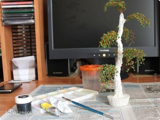 Часть 1. http://stranamasterov.ru/node/199607 Часть 2. http://stranamasterov.ru/node/199628 Часть 3. http://stranamasterov.ru/node/200255 Здравствуйте уважаемые мастера и мастерицы! Продолжаем наши уроки моделирования. Сегодня завершающий этап нашей совместной работы. Мы покрасим наше дерево, покроем лаком и распрямим веточки. фото 4