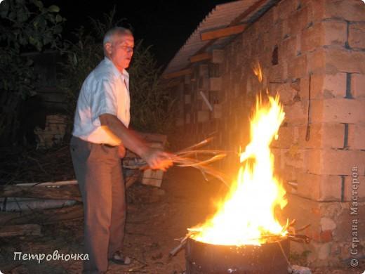Я очень люблю снимать огонь. Это настолько непредсказуемо. Иногда начинаешь верить, что это мыслящая стихия. Вот огненный заяц. фото 13
