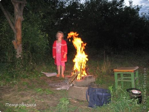 Я очень люблю снимать огонь. Это настолько непредсказуемо. Иногда начинаешь верить, что это мыслящая стихия. Вот огненный заяц. фото 8