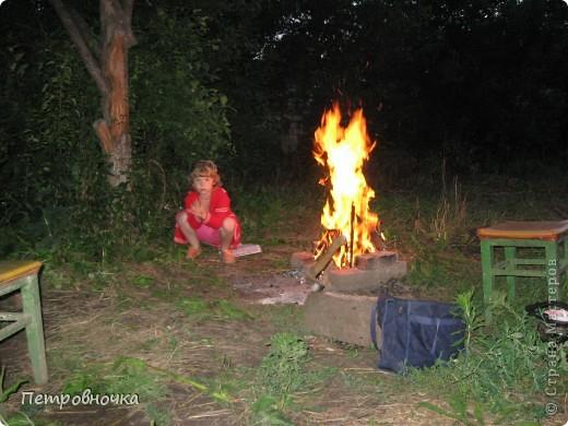 Я очень люблю снимать огонь. Это настолько непредсказуемо. Иногда начинаешь верить, что это мыслящая стихия. Вот огненный заяц. фото 9