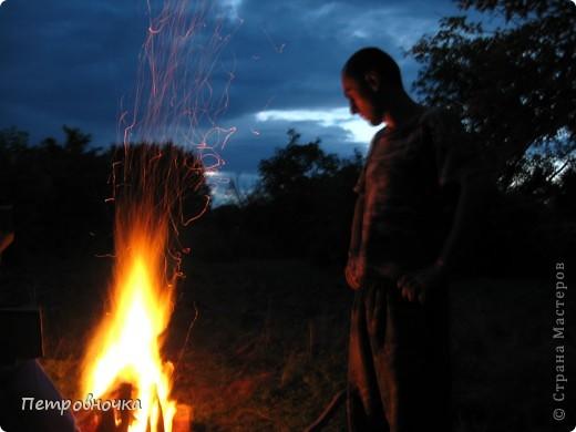 Я очень люблю снимать огонь. Это настолько непредсказуемо. Иногда начинаешь верить, что это мыслящая стихия. Вот огненный заяц. фото 10
