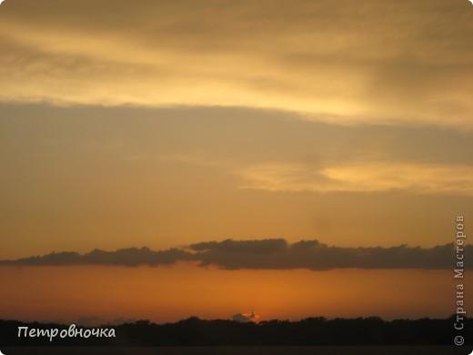 А еще я очень люблю снимать небо. Эта стихия меня завораживает. Небо над нашим храмом всегда разное. фото 17