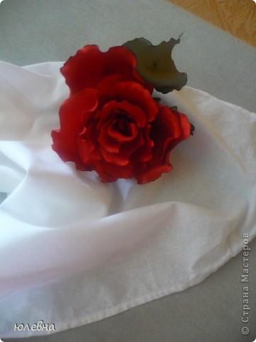 Давно уже хотела попробовать розу из ткани и вот благодаря случаю, выпускному четвероклашки-племяшки, я ее сделала! фото 2