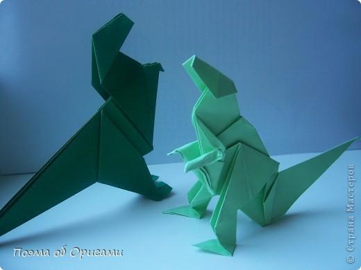Эра динозавров давно канула в лету. Однако, благодаря открытиям археологов, тема доисторических драконов по-прежнему будоражит умы оригамистов со всего мира. фото 3