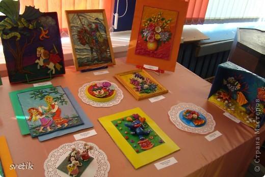 """В конце года в ЦВР """"Эврика"""" проходила выставка детских работ. Как и обещала, показываю Вам. Это часть работ из пластилина педагог Володина Е.В.( в следующем репортаже покажу пластилиновые работы к Пасхе) фото 1"""