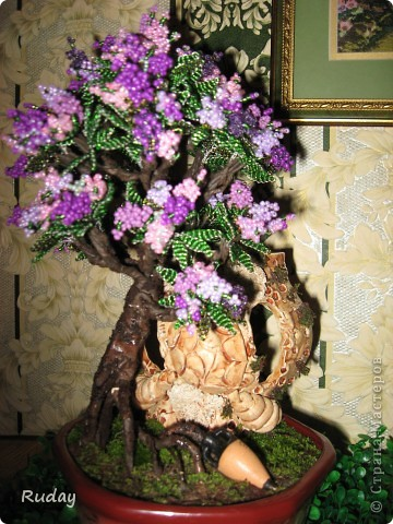 Мое первое бисерное дерево.Люблю вышивать, но захотелось сделать дерево, и вот, первая проба пера... фото 4