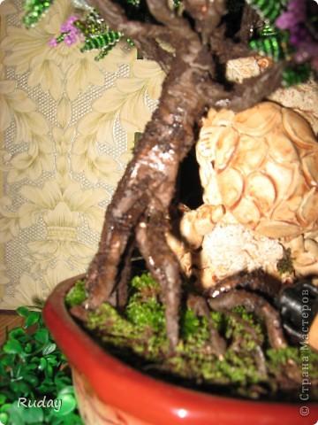 Мое первое бисерное дерево.Люблю вышивать, но захотелось сделать дерево, и вот, первая проба пера... фото 2