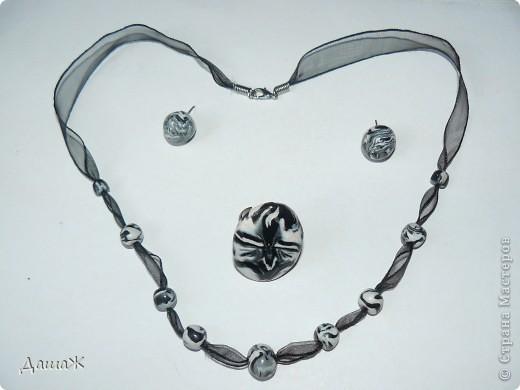 Сделала еще кольцо для черно-белого комплекта http://stranamasterov.ru/node/194701 .  фото 2