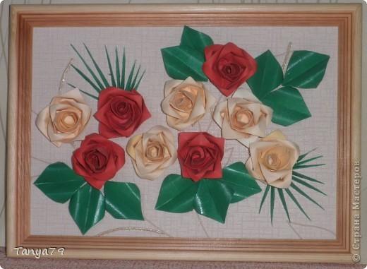 Очень люблю розы. Как-то   увидела такие розы и решила их сделать. Работу сделала давно, но только сейчас  ее выставляю.   фото 1